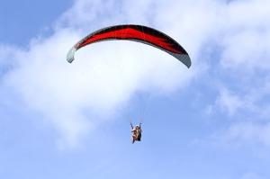 paragliding-744053_640
